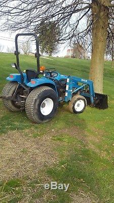 1725 newholland tractor with loader