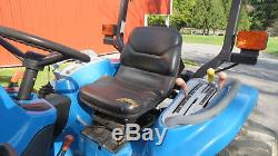 1999 NEW HOLLAND TC33 4X4 COMPACT UTILITY TRACTOR With LOADER 33HP DIESEL 495 HRS