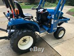 2002 NEW HOLLAND TC21D Compact 4x4 Tractor with Loader in excellent shape