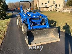 2006 New Holland TC30 Tractor Loader Backhoe 45 Original Hours