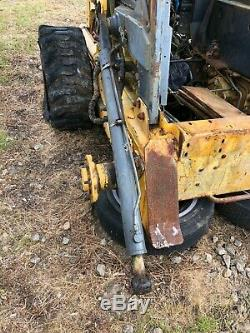 LIFT CYLINDER NEW HOLLAND SKID STEER LOADER LS190 LX985 may fit LX885 LS180