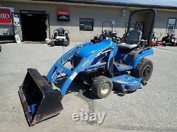 NEW HOLLAND TZ24DA TRACTOR With LOADER & BELLY MOWER, 4X4, HYDRO, 889 HOURS, 24 HP