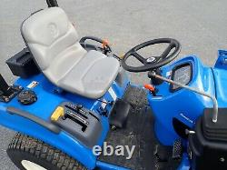 NEW HOLLAND TZ24DA TRACTOR With LOADER & BELLY MOWER, 610 HRS, 4X4, HYDRO, 1 OWNER