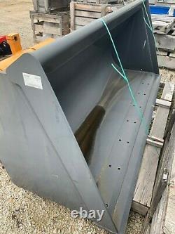 New Holland B115B Backhoe Loader STD Bucket 87723570