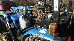 New Holland Boomer 30 -4x4 with loader