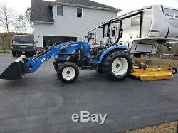 New Holland Boomer 40hp Tractor Hydrostatic Loader. 175hrs