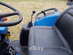 New Holland TC29 4wd Tractor with New Holland Loader