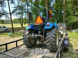 New Holland TC29D with Loader 4x4