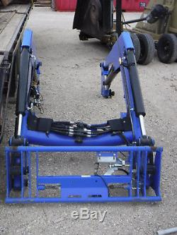 New Holland Tractor Loader Arms (missing mounts)