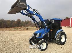 NewHolland T2320 Tractor. Cab/ Air/ Heat. HST Trans. Only 880 Hours. 4x4. Loader