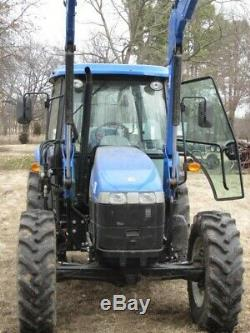 Tractor New Holland TD5050 4WD with 820TL loader and cab with air/heat