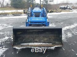 USED New Holland Boomer 33 Tractor with Loader, 33HP, 4WD, Hydro
